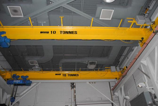 Research infrastructure-overhead crane
